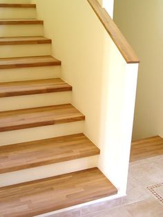 Concrete staircase with wooden cladding - stairs cladding . - Concrete staircase with wooden paneling – - Concrete Staircase, Wooden Stairs, Stair Railing, Staircase Design, Stair Lift, Railings, Basement Stairs, House Stairs, Wooden Cladding