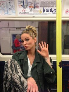Sarah Harding. | 19 Celebrities On The London Underground