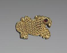 Frankish griffin fibula (2.5 x 3.8 x 0.8 cm) VI c.[1799x1417]