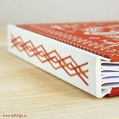 Handbound journal with longstich / Cuaderno cosido a mano con técnica longstitch