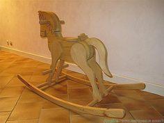 fabriquer un cheval bascule jouets bois pinterest. Black Bedroom Furniture Sets. Home Design Ideas