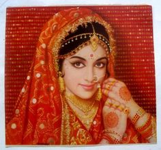 One of the most successful Bollywood actresses from Hema Malini was noted for her beauty and dancing . Indian Bollywood Actress, Bollywood Fashion, Indian Actresses, Bollywood Costume, Indian Bridal Photos, Hema Malini, Very Beautiful Woman, Vintage Bollywood, Bridal Hair And Makeup