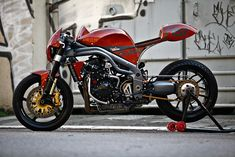 Olivi Motori Triumph 'Weslake' only the most beautiful motorcycle Ive ever seen