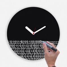 Draw Up Clock by WEEW Smart Design designed in Italy #MONOQI