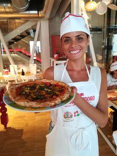Voglia di pizza a casa? Mettiamo le mani in pasta, Davide Civitiello ci insegna a prepararla a casa con facili trucchi e segreti