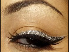 Easy Glitter Eyeliner Makeup Tutorial w/ Bold Lips Glitter from Gloss Cosmetics Marion Makeup Tutorial Eyeliner, No Eyeliner Makeup, Makeup Tutorials, Makeup Ideas, Best Eyeliner, Glitter Eyeliner, Double Eyeliner, Graduation Balloons, Eyeliner For Beginners