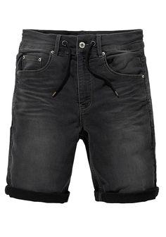 Für das trendige Freizeitoutfit: die stylischen Jogg-Bermudas im Five-Pocket-Design von John Devin. Der schmal geschnittene Jeanscut endet über den Knien mit einem mehrfach gekrempelten Saum. Der Kordelzug im Bündchen rundet den angesagten Style lässig ab. Die bequemen Shorts sind aus einem komfortablen Materialmix gefertigt. Mit T-Shirt, Pullover und Sneakern oder auch mit Oberhemd, Blazer und Loafer lassen sich diese Herrenshorts immer wieder neu kombinieren.