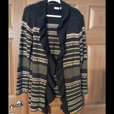 CARDIGAN. ❗️❗️FINAL MARKDOWN❗️❗️ Cardigan Sweater, Size XL, Excellent condition. Machine wash. Cato Sweaters Cardigans