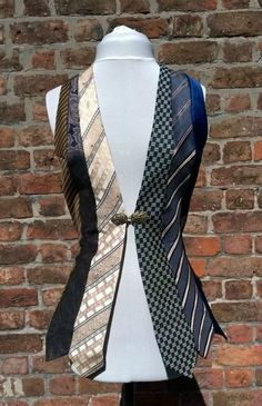 Upcycling ideas from old clothes - real ties stylish and creative recycling, # Check more at . - Upcycling ideas from old clothes – real ties stylish and creative recycling Source by - Steampunk Costume, Steampunk Fashion, Steampunk Vest, Old Ties, Old Neck Ties, Tie Crafts, Mens Ties Crafts, Recycle Crafts, Diy Kleidung