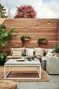 Backyard Seating, Backyard Patio Designs, Backyard Fences, Backyard Landscaping, Concrete Backyard, Small Backyard Patio, Garden Seating, Pergola Patio, Outdoor Seating