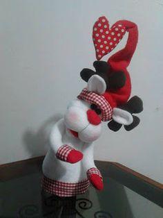 SANTAS ESTILIZADOS Snowman Ornaments, Minnie Mouse, Disney Characters, Avatar, Ss, Papa Noel, Baby Dolls, Ideas, Christmas Napkins
