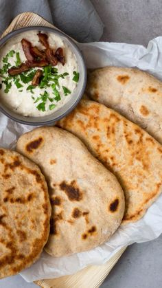 Make quick pita bread yourself Make quick pita bread yourself . - Make quick pita bread yourself Make quick pita bread yourself – how it works A Food, Food And Drink, Comida India, Food Items, Veggies, Vegetarian, Tasty, Brunch, Stuffed Peppers