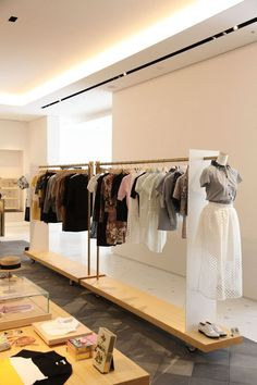 """Sugimoto Hoji Interior """"Isetan Salone"""", a new shop modernizing traditional Japanese materials The picture / Fashion Shop Interior, Clothing Store Interior, Clothing Store Design, Fashion Showroom, Boutique Interior Design, Boutique Decor, Showroom Design, Boutique Stores, Decoration Shop"""