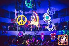 scenografia flower power #flowerpower #flowerpowerparty #hippie