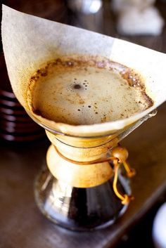 Chemex, makes great coffee I Love Coffee, Coffee Art, Coffee Break, My Coffee, Coffee Drinks, Coffee Shop, Coffee Cups, Drip Coffee, French Coffee