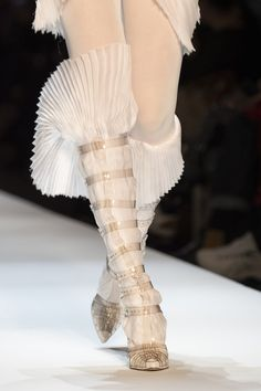 Jean Paul Gaultier Spring / Summer 2019 Couture Fashion Show - Jean Paul Gaultier Spring / Summer 2019 Couture Fashion Show – Madame Figaro - Jean Paul Gaultier, Jeans, Trendy Swimwear, Studded Heels, Valentino, Hot Shoes, Designer Shoes, Designer Clothing, Dior
