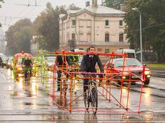 Activists show what it would be like if #bikes took up as much room as #cars. #logistics