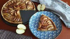 Jablkový koláč s karamelom - Recept Apple Pie, Pancakes, Breakfast, Desserts, Food, Basket, Apple Cobbler, Morning Coffee, Deserts