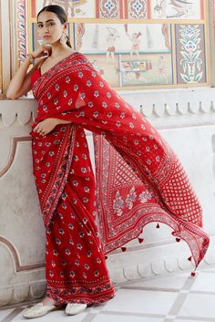 We list out the sartorial investments you need to make to create a classic, versatile Indian wear wardrobe. No Indian wardrobe can be complete without a classic Dress Indian Style, Indian Dresses, Indian Attire, Indian Ethnic Wear, Indian Wedding Outfits, Indian Outfits, Simple Sarees, Stylish Sarees, Saree Look