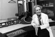 Rita Levi-Montalcini (1909 - 2012) El  trabajo de mayor importancia de esta neuróloga y política italiana, por el cual recibió el  Premio Nobel de Fisiología o Medicina en 1986, compartido con Stanley Cohen,  se centra en el  factor de crecimiento nervioso, una proteína requerida para el crecimiento y desarrollo del sistema nervioso sensorial y simpático de los vertebrados. #DíaMujeryCiencia