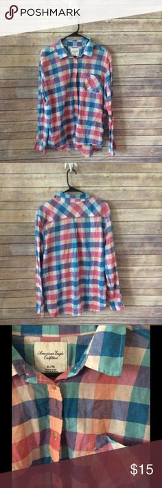 American Eagle Plaid Button Down Shirt sz XL Great condition, closet essential! ❌trades, holds, lowball offers. ✅Clean & smoke free home, ✅ bundle discount, always ✅ free gift with $15+ purchase ✅new items added daily! American Eagle Outfitters Tops Button Down Shirts