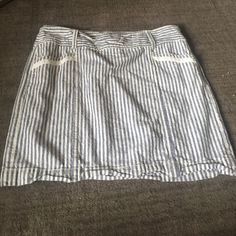 Pinstripe mini Linen pinstripe mini skirt with pockets. Super cute for spring and summer. Worn once! LOFT Skirts Mini