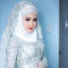 """371 Suka, 3 Komentar - BassLanna WeddingStudio (@basslanna) di Instagram: """"อลบั้ม Wedding น้องซานะ #เจ้าสาวพัทลุง #เจ้าสาวภูเก็ต #แชมป์แต่งหน้าภาคใต้ #แชมป์แต่งหน้าภาคเหนือ…"""""""