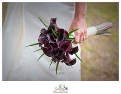 fall wedding flowers purple   visit weddingwire com