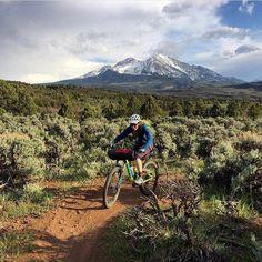 いいね!91件、コメント2件 ― FITS socksさん(@fitssocks)のInstagramアカウント: 「@caalto11 on a bike packing mission with a beautiful back drop #fitssocks」