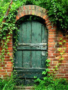 garden door  | Garden Door.jpg photo - Steve Ainsworth photos at pbase.com