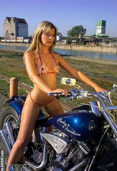 Harley Davidson babe