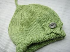 Ravelry: a perfectly simple baby hat... free pattern by pamela w allen.