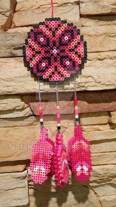 Perler bead dreamcatcher by Artemischo Easy Perler Bead Patterns, Melty Bead Patterns, Diy Perler Beads, Perler Bead Art, Pearler Beads, Beading Patterns, Mochila Crochet, Fusion Beads, Iron Beads