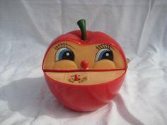 http://www.ebay.de/itm/Kult-aus-den-70er-80er-Jahren-Apfel-Spardose-mit-Wurm-mit-Aufziehmechanismus-RAR-/331524606572?pt=LH_DefaultDomain_77
