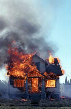 Los vecinos escaparon el incendio.