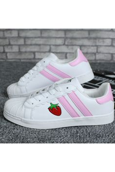 Harajuku Strawberry Sneakers In Pink
