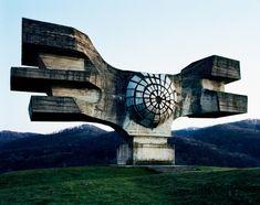 Spomenik - Podgaric