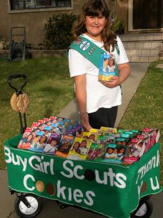 Jolie display won Girl Scouts Mobile 2012 Best Use Of Cookies Girl Scout Leader, Girl Scout Troop, Brownie Girl Scouts, Boy Scouts, Scout Mom, Daisy Girl Scouts, Girl Scout Cookie Sales, Girl Scout Cookies, Cookie Display