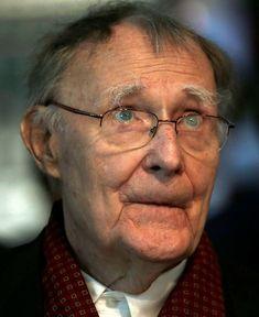 † Ingvar Kamprad (91) 27-01-2018  Ingvar Kamprad, de oprichter van het meubelwarenhuis Ikea, is op 91-jarige leeftijd overleden. Kamprad overleed in zijn huis in het Zweedse Smaland, laat het concern zondag weten in een statdement. https://youtu.be/fhQt08zBVzw