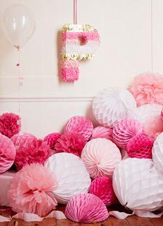 #weddingstyle #weddings #decor #poms #paper #oink repinned by www.hopeandgrace.co.uk