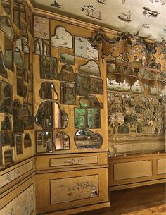The Chinese Cabinet, or Cabinet of Mirrors, at Bayreuth Hermitage, Germany, circa 1735.