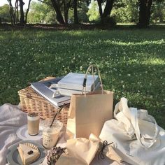 Types Of Aesthetics, Different Aesthetics, Nature Aesthetic, Beige Aesthetic, Book Aesthetic, Vie Simple, Picnic Date, Fairytale Cottage, Cottage In The Woods