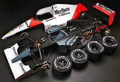 The McLaren held the world record for the fastest production car in the world for many years. Mclaren Cars, Mclaren Mp4, Slot Cars, Rc Cars, Auto F1, Miniature Auto, F1 Motorsport, Tamiya Models, Formula 1 Car