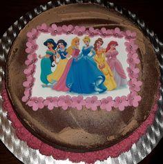 Naked cake chocolade met prinsessen.