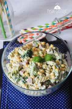 Sałatka makaronowa z brokułem   Tysia Gotuje blog kulinarny Penne, Pasta Salad, Potato Salad, Food And Drink, Potatoes, Cooking, Ethnic Recipes, Impreza, Foodies