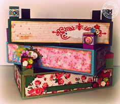 DE SCRAP Y OTRAS COSITAS LINDAS: Más cajas de fresas alteradas Reuse, Upcycle, Fruit Box, Wooden Crates, Collages, Wood Boxes, Creative Art, Toy Chest, Decorative Boxes