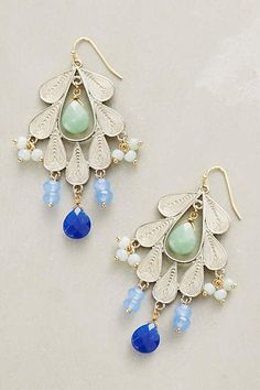 Previous pinner: Melipona Earrings. Me: Yeah, I like this earring. I guess they lost the other one, because this is just a copy-and-paste of the same earring.