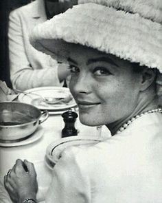 """149 mentions J'aime, 5 commentaires - Romy Schneider (@_romy_schneider_) sur Instagram: """"L'heure du déjeuner. Romy se trouve en compagnie d'Alain Delon et Sophia Loren, lors d'un déjeuner…"""""""