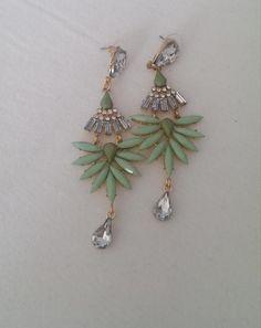 Cute - glamouröse Ohrringe im Palmenblätter Look auf Miralia.de von Laurihoney // #miralia #secondhand #secondhandfashion #kleidungonlineverkaufen