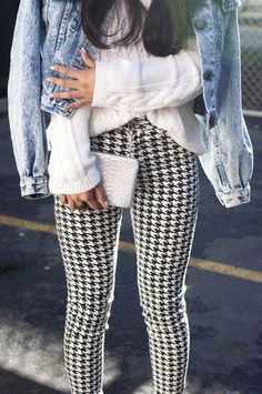 Forever 21 Houndstooth Skinny Pants Stretchy fitted pants (not leggings) High rise, ankle slit Button, zip fly Size Waist flat Rise Inseam New with tags! Pastel Outfit, Denim Fashion, Look Fashion, Fashion Outfits, Fashion Women, Black Leggins, Fall Winter Outfits, Autumn Winter Fashion, Checker Pants